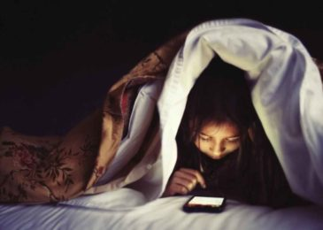 Youngs May Be Losing Sleep Over Social Media : More LOLs, Fewer Zzzs